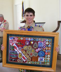 patch display for eagle coh Scout Mom, Cub Scouts, Girl Scouts, Eagle Scout Cake, Boy Scouts Merit Badges, Eagle Scout Ceremony, Boy Scout Patches, Award Display, Eagle Project