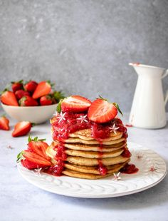 These Vegan Strawberry Lemon Pancakes are the perfect spring or summer breakfast when strawberries are in season! Vegan Breakfast, Breakfast Ideas, Breakfast Recipes, Dessert Recipes, Lemon Pancakes, Pancakes And Waffles, Sweet Recipes, Vegan Recipes, Strawberry Recipes
