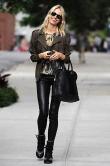perfect outfit #leatherpants #socialbliss http://www.socialbliss.com/jenna-beal/leather-the-storm-GUYTONJQ/daily-crush-GIZTMMRYGQ#