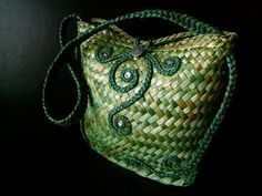 Official site for Vine Leaf by Jasmin van Lith Handmade in Aotearoa, contemporary weaving and handcrafted jewellery Flax Weaving, Basket Weaving, Woven Baskets, New Zealand Flax, Vine Leaves, Handcrafted Jewelry, Handmade, Straw Bag, Purses And Bags