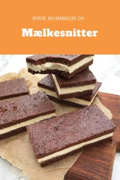 Hjemmelavede mælkesnitter. Opskrift fra www.mummum.dk Snack Recipes, Dessert Recipes, Danish Food, Gourmet Cooking, Oreo Dessert, Yummy Cakes, Easy Desserts, Food Inspiration, Sweet Treats