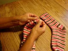 Kitchener Stitch to Finish a Sock   One of the best how-to videos EVER!