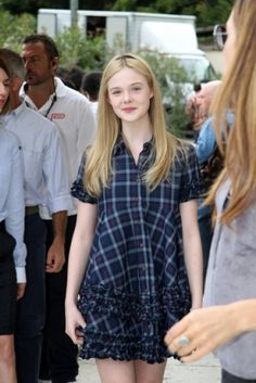 Elle Fanning in Venice Italy Ellie Fanning, Dakota And Elle Fanning, Fanning Sisters, Female Actresses, Actors & Actresses, Kids Fans, Hollywood Stars, White Girls, Cute Fashion