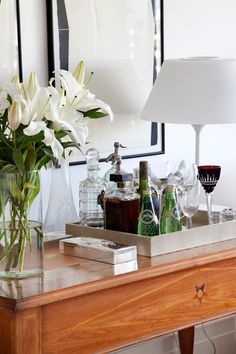 [New] The 10 Best Home Decor Today (with Pictures) Bandeja Bar, Bar Tray, Wine House, Modern Rustic Decor, Condo Living, Living Room, Cabinet Decor, Bar Accessories, Bar Drinks