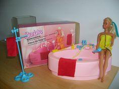 My Barbie's Luxury Bath set, had this exact one Vintage Toys 80s, Barbie Bathroom, Youre The Bomb, Barbie Playsets, Barbie Sets, Old School Toys, Nostalgia, Beautiful Barbie Dolls, Childhood Days