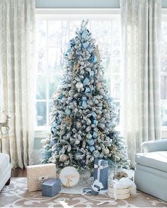 20 Awesome Christmas Tree Decorating Ideas | Christmas | Pinterest ...