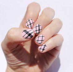 Petal Pink Plaid Nail Wraps