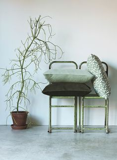Bladverk cushion cover 60x40 cm in leaf green and Velvet cushion cover 60x40 cm in soft green and moss green.