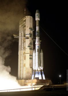 The last Ariane-4 launch. Ariane 4 made its first flight in June 1988 and its final launch on 15 February 2003.