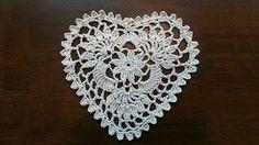 Crochet Heart Mini Doily Part 1 Video van Jeego Crochet - YouTube
