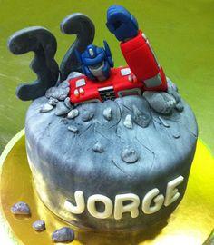 Pastel Transformers de fondant #transformers #fondant #cakes