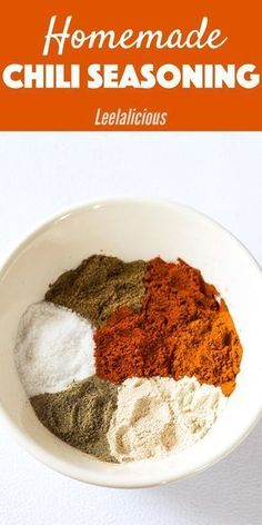 This awesome homemade Chili Seasoning mix comes in super handy for making anything from chilis, tacos and even roasted vegetables. Skip the store-bought packets together with the additive and preservatives and make your own gluten free chili spice Homemade Chili Seasoning, Chili Seasoning Mix, Homemade Spices, Homemade Seasonings, Chili Seasoning Recipe Gluten Free, Chilli Spice, Chili Spice Mix Recipe, Mixed Spice Recipe, Chicken Recipes