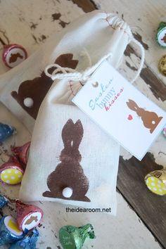 DIY Easter Bunny Candy Hershey Kisses Gift Idea Free Printable | theidearoom.net