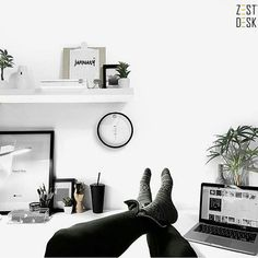 And we're back! Happy new year everybody! Hope everyone had a time to recharge, reflect, and unwind over the holiday break. Time to get 2017 off to a kicking start. The ZestDesk team is excited for all the endless possibilities the new year brings. Cheers! >Follow us on Instagram @zestdesk_anywhere
