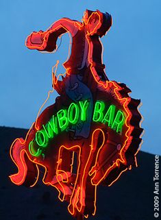 Cowboy Bar, Jackson Wyoming I knew in the back of my mind that I had a keeper of this neon, but then I moved on. Cool Neon Signs, Vintage Neon Signs, Jackson Wyoming, Jackson Hole, Cowboys Bar, Neon Moon, Look 2015, Neon Nights, Roadside Attractions