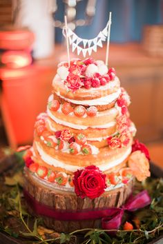 Naked Cake Layers Icing Fruit Bunting Topper Victoria Rustic Autumn Halloween Wedding http://www.samrileyphotography.co.uk/