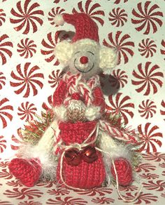 Ravelry: Christmas Mouse pattern by ViolaSueKnits