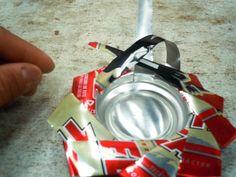 Cómo hacer un portavelas o cenicero con una lata reciclada: Sexto paso: Introduce las últimas tiras