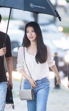 IU Kpop Fashion, Asian Fashion, Fashion Outfits, Ulzzang Fashion, Asian Woman, Asian Girl, Korean Celebrities, Celebs, Iu Hair