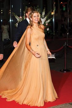 Move Over, Meghan and Kate: Queen Máxima of the Netherlands Is the Newest Royal Style Icon to Watch Queen Fashion, Royal Fashion, Fashion Fail, Fashion Outfits, Disney Fashion, Fashion News, Klum, Prince And Princess, Prince Harry