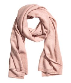 Powder pink. PREMIUM QUALITY. Knit scarf in soft cashmere. Size 23 1/2 x 70 3/4 in.