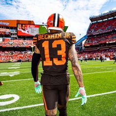 Check out all our Cleveland Browns merchandise! Obj Football, Nfl Football Players, Football Moms, Football Uniforms, Odell Beckham Jr Catch, Odell Beckham Jr Wallpapers, Cleveland Browns Wallpaper, Cleveland Browns Football, American Football