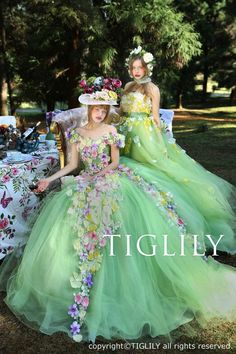>>>Pandora Jewelry OFF! >>>Visit>> TIGLILY 2016 Spring/Summer Pandora Collection Alice in wonderland fairytale wedding Girls dream! Ugly Dresses, Flower Dresses, Pretty Dresses, Wedding Dress Patterns, Colored Wedding Dresses, Bridal Dresses, Fairytale Gown, Ball Gowns Evening, Fairy Dress