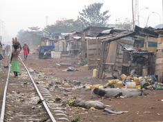 Five 40 Window: Kampala Slums Paises Da Africa, East Africa, African Image, African Art, Uganda Kampala, World Poverty, Uganda Travel, Slums, Cool Places To Visit