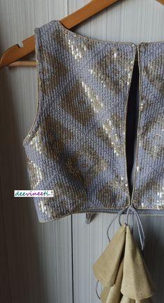 New Saree Blouse Designs, Fancy Blouse Designs, Stylish Blouse Design, Sexy Blouse, Sleeveless Blouse, Sabyasachi, Neck Pattern, Indian Ethnic, String Art