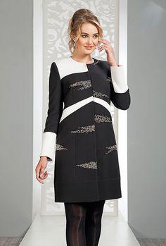 Abaya Fashion, Couture Fashion, Girl Fashion, Fashion Dresses, Kids Dress Patterns, Abaya Designs, Western Dresses, Embroidery Dress, Traditional Dresses