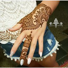 Mehndi design makes hand beautiful and fabulous. Here, you will see awesome and Simple Mehndi Designs For Hands. Mehandhi Designs, Hena Designs, Unique Mehndi Designs, Beautiful Mehndi Design, Arabic Mehndi Designs, Henna Tattoo Designs, Arabic Henna, Henna Tattoos, Tattoo Ideas