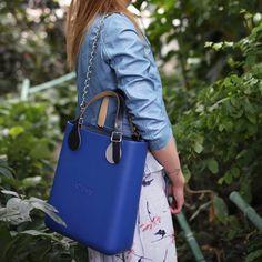 136 отметок «Нравится», 1 комментариев — O bag Украина (@obagukraine) в Instagram: «Новый цвет из весенней коллекции - синийОн как разряд молнии – попадает прямо в сердце. Глубокий и…» Leather Shoulder Bag, Leather Bag, Shoulder Bags, Fashion Bags, Women's Fashion, O Bag, Ladies Bags, Bagan, Purses And Bags