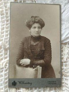 Antique Czech CDV/visit card lady, nice dark dress, W.Sonntag Kremsier, Kromeriz Vintage Postcards, Vintage Photos, Morris Illinois, Lebanon Ohio, Rare Cats, Victorian Women, Portrait Photo, Dark, Nice