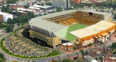 Molineux - Home of Wolverhampton Wanderers FC Wolverhampton, England, UK English Football Stadiums, British Football, European Football, Soccer Stadium, Football Soccer, Football Tops, Hallam Fc, Sports Turf, Wolverhampton Wanderers Fc