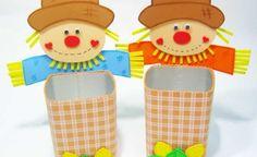 Enfeites de mesa ou lembrancinhas para festa junina feitos à partir de caixinhas de suco. #reciclagem #festajunina #espantalho #brazilianjuneparty