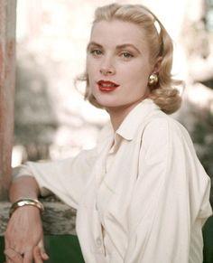 Grace Kelly (1955).
