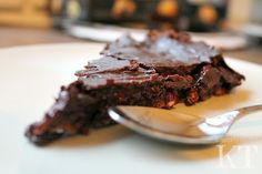 Kotona tehtyjä: Raw cake with chocolate and berries - without nuts