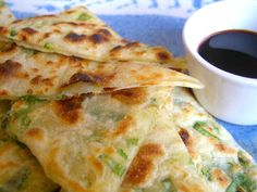 scallion pancakes - an easy snack I love food friends. My friend Lily, from Shanghai, likes to show me how to make asian food. It's usuall...