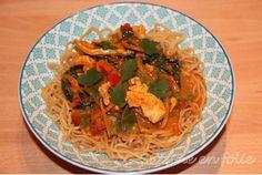 Poulet sauce Satay – Cuisine en Folie Menu, Spaghetti, Ethnic Recipes, Chinese New Year, Asian Cuisine, Chicken, Madness, Recipe, Menu Board Design