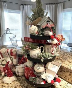 47 Comfy Rustic Winter Kitchen Ideas After Christmas After Christmas, Christmas Home, Christmas Holidays, Christmas Wreaths, Christmas Crafts, Christmas Ornaments, Christmas Decor For Kitchen, Christmas Ideas, Christmas Lights