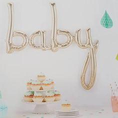 En herlig prikk over i'en #nyhet #baby #ballong #pynt #dekorasjon #babyshower #dåp #navnefest #detlilleekstra #dinbabyshower www.dinbabyshower.no