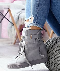 a93884c081c00 Najlepsze obrazy na tablicy BUTY (8) | Shoes sneakers, Slippers i ...