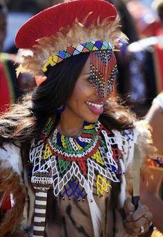 Clothing For Zulu Culture Zulu Traditional Attire, African Traditional Wedding Dress, Traditional Wedding Attire, Traditional Clothes, Traditional Decor, African Men Fashion, African Women, African Attire, African Dress
