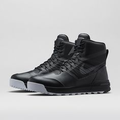 b757db2d4 NikeLab ACG LunarTerra Arktos Men s Boot. Nike Store Nike Acg Boots
