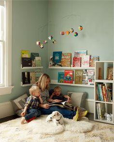 Kuschelecke children's room - create a personal corner for the child - Kids Corner Kids Corner, Reading Corner Kids, Cozy Corner, Reading Areas, Cozy Reading Corners, Corner Space, Girl Room, Baby Room, Child's Room