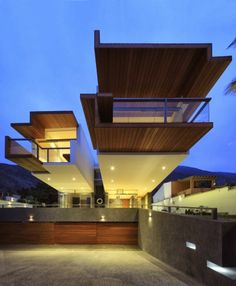 Garage and facade on Extreme modern house by Longhi Architects