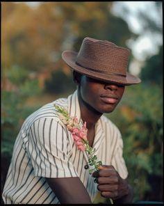 Film Inspiration, Photoshoot Inspiration, Justine Mauvin, Medium Format Photography, Photography Poses For Men, Outdoor Portrait Photography, 120 Film, Kodak Portra, Outdoor Portraits