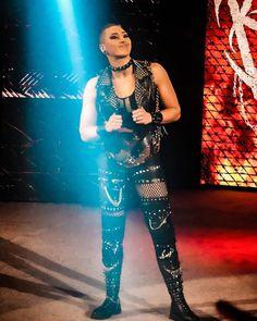 Wrestling Superstars, Wrestling Divas, Women's Wrestling, British Wrestling, Nxt Divas, Wwe Female Wrestlers, Wwe Girls, Aj Styles, Wwe Womens
