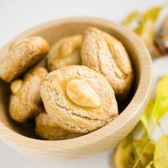 Receita de Biscoitos de amêndoa | :: as melhores receitas de sobremesas de leonor de sousa bastos | flagrante delícia ::