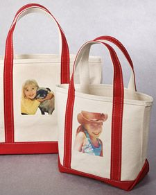 Martha demonstrates how to use a simple transfer process to put your favorite photos onto a stylish tote bag for a wonderful handmade holiday gift.